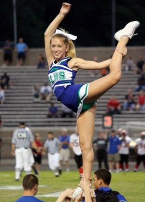 upskirt cheerleader