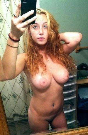 19 year old nude selfie